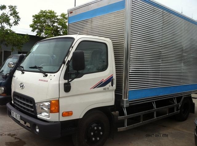 xe-tai-3t5-hyundai-thung-kin-nhap-khau