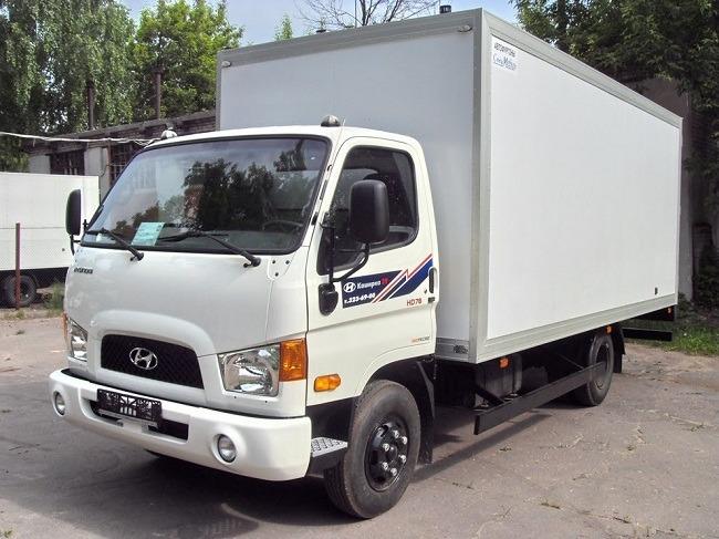 xe-tai-hyundai-HD-78-thung-kin-composite