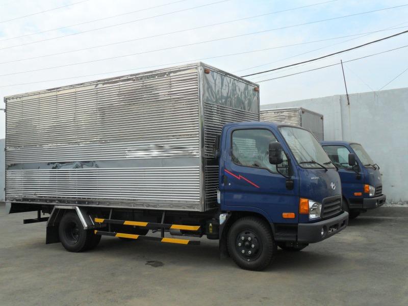 xe-tai-hyundai-hd65-thung-kin-1t75