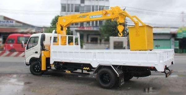 Hino-XZU650L-lap-cau-soosan