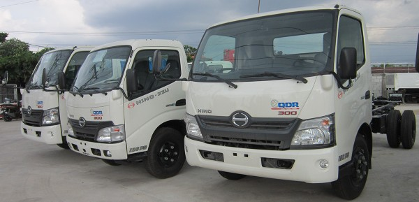 xe-hino-1t9-lu-thong-thanh-pho