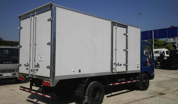 Xe tải 2 tấn rưỡi