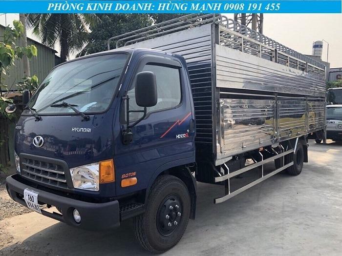 xe tải hyundai 8 tấn chở gia súc