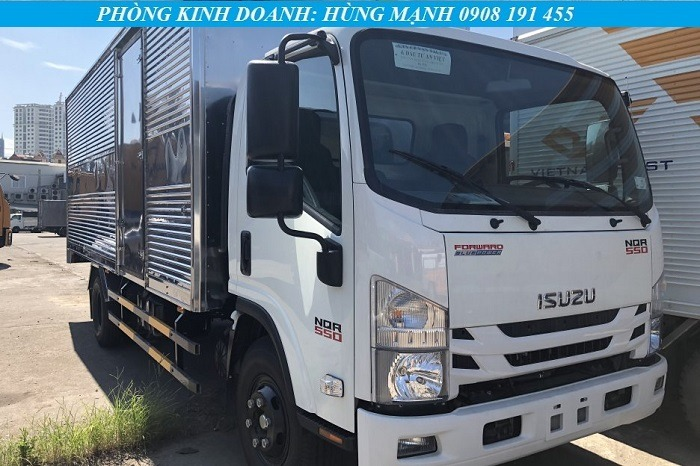 xe tải isuzu 3.5 tấn màu trắng