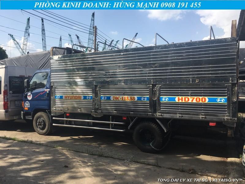Xe tải Hyundai cũ HD700 đồng vàng thùng inox