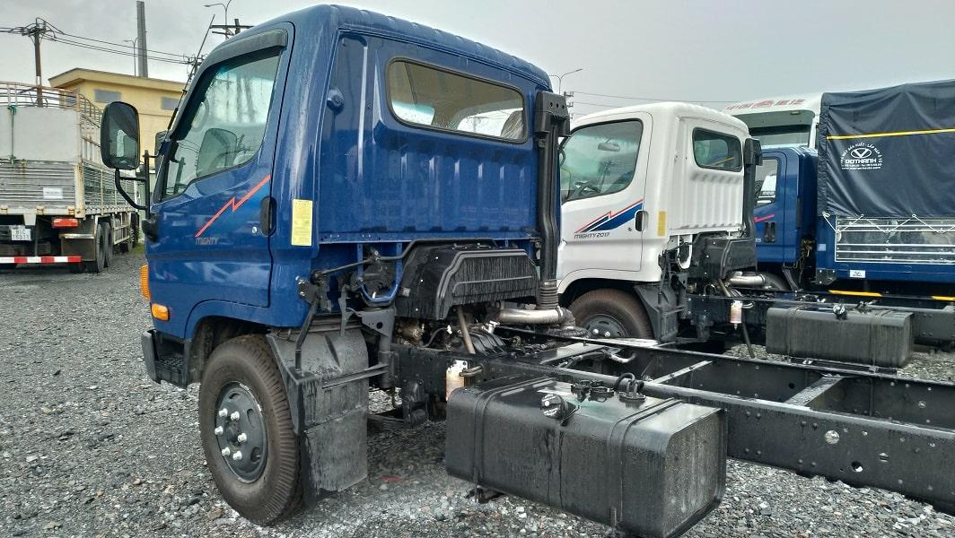 Ngoại thất xe Hyundai 8 tấn Mighty 2017