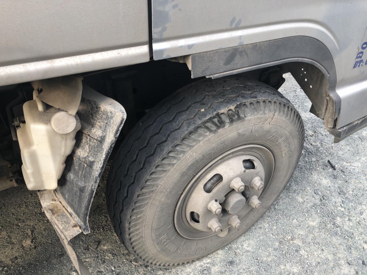 Vỏ trước của xe