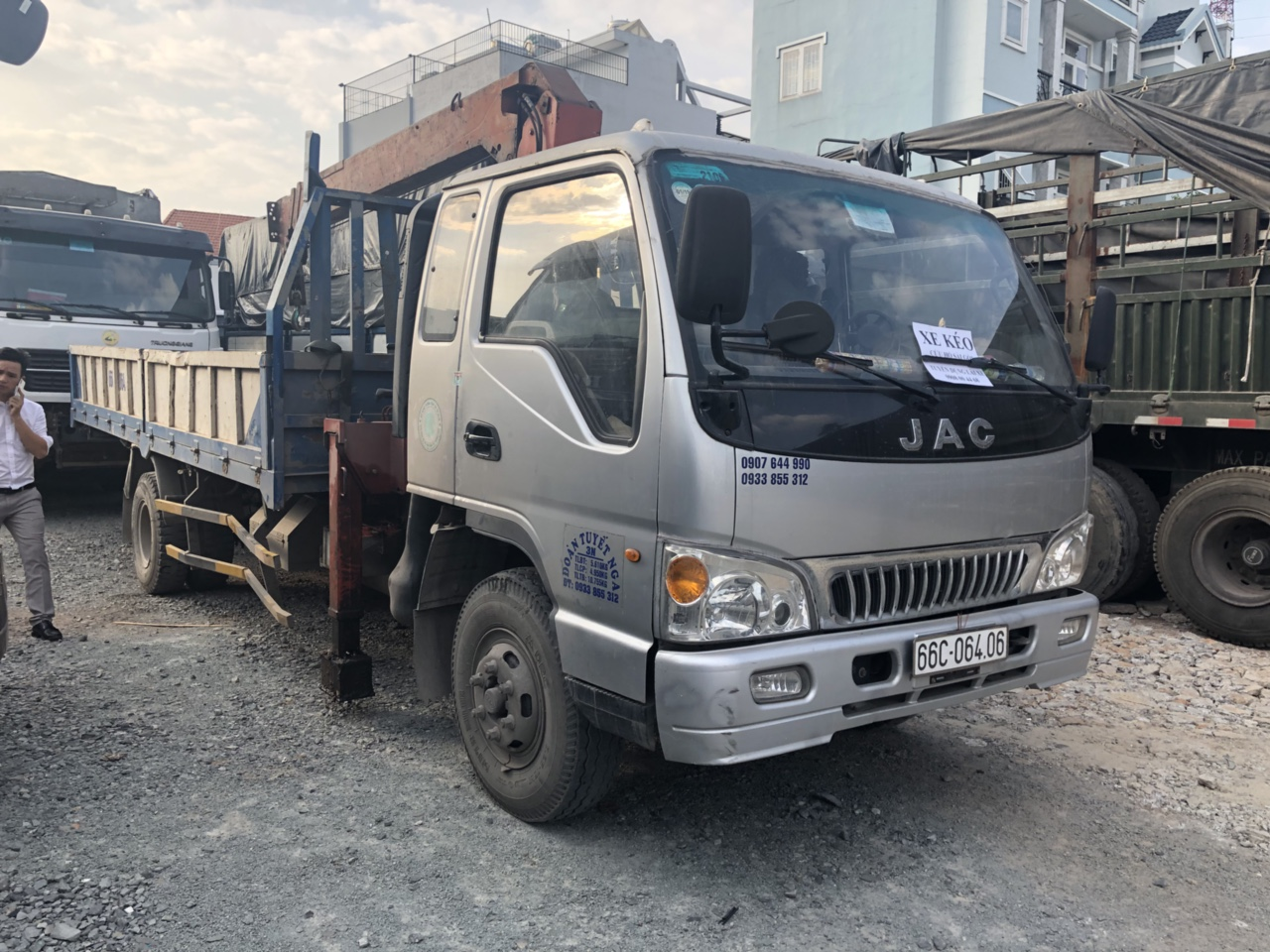 Ngoại hình Xe tải JAC 7 tấn gắn cẩu cũ
