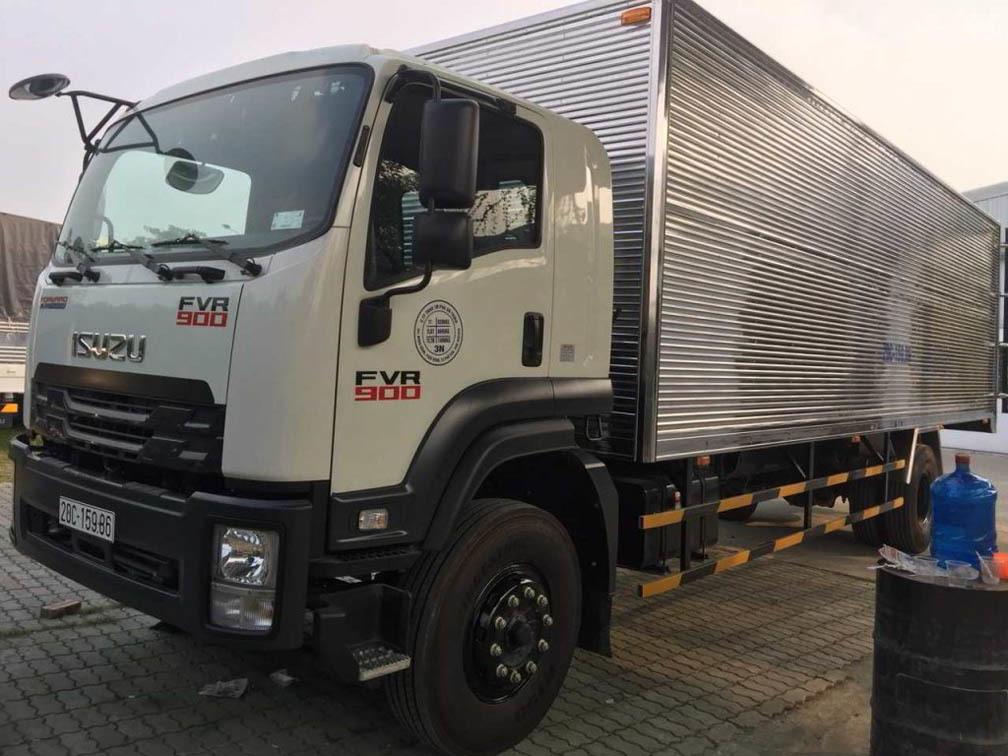 Xe tải ISUZU 8 tấn cũ thùng dài