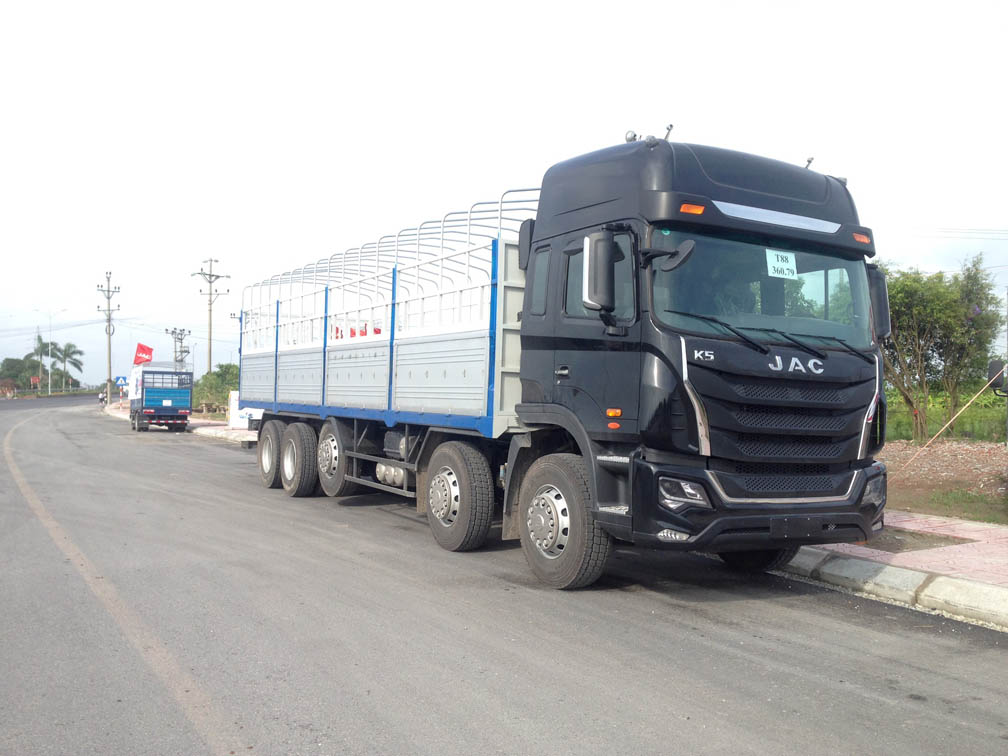 Xe tải cũ 4 chân chất lượng